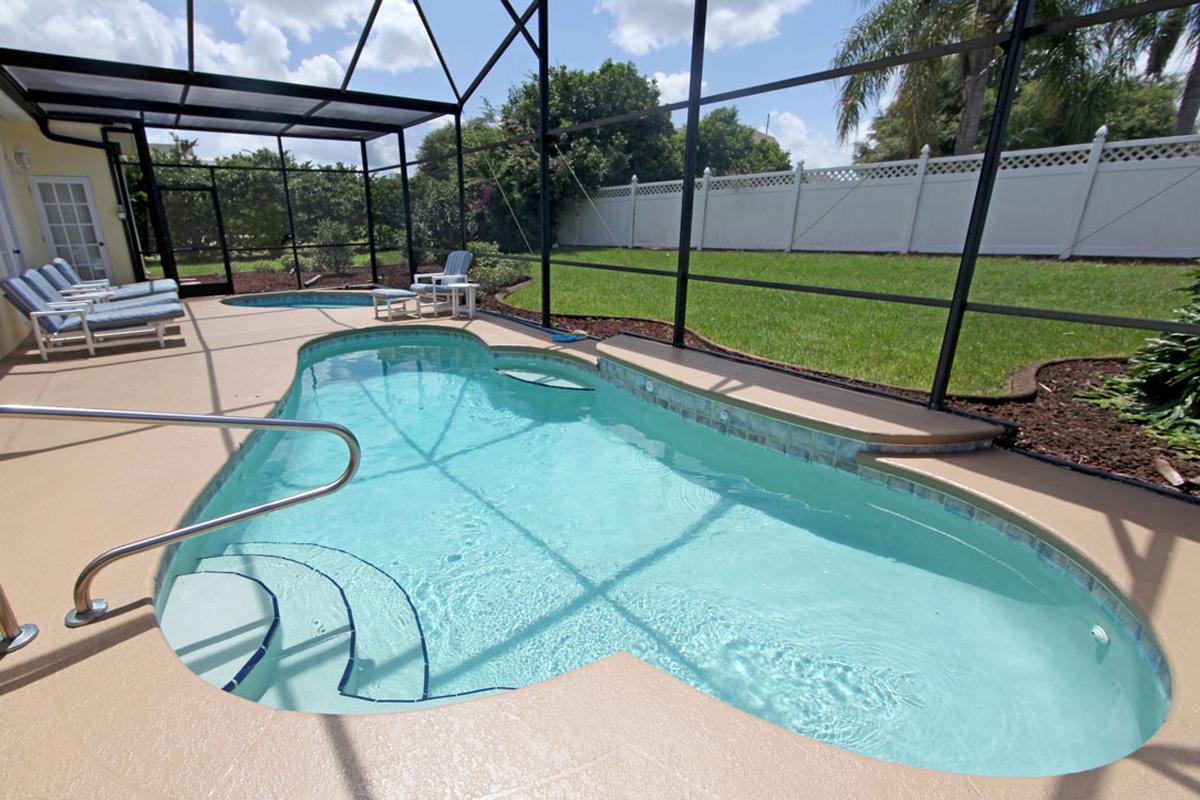Screen Repair and Rescreening in Sarasota Florida